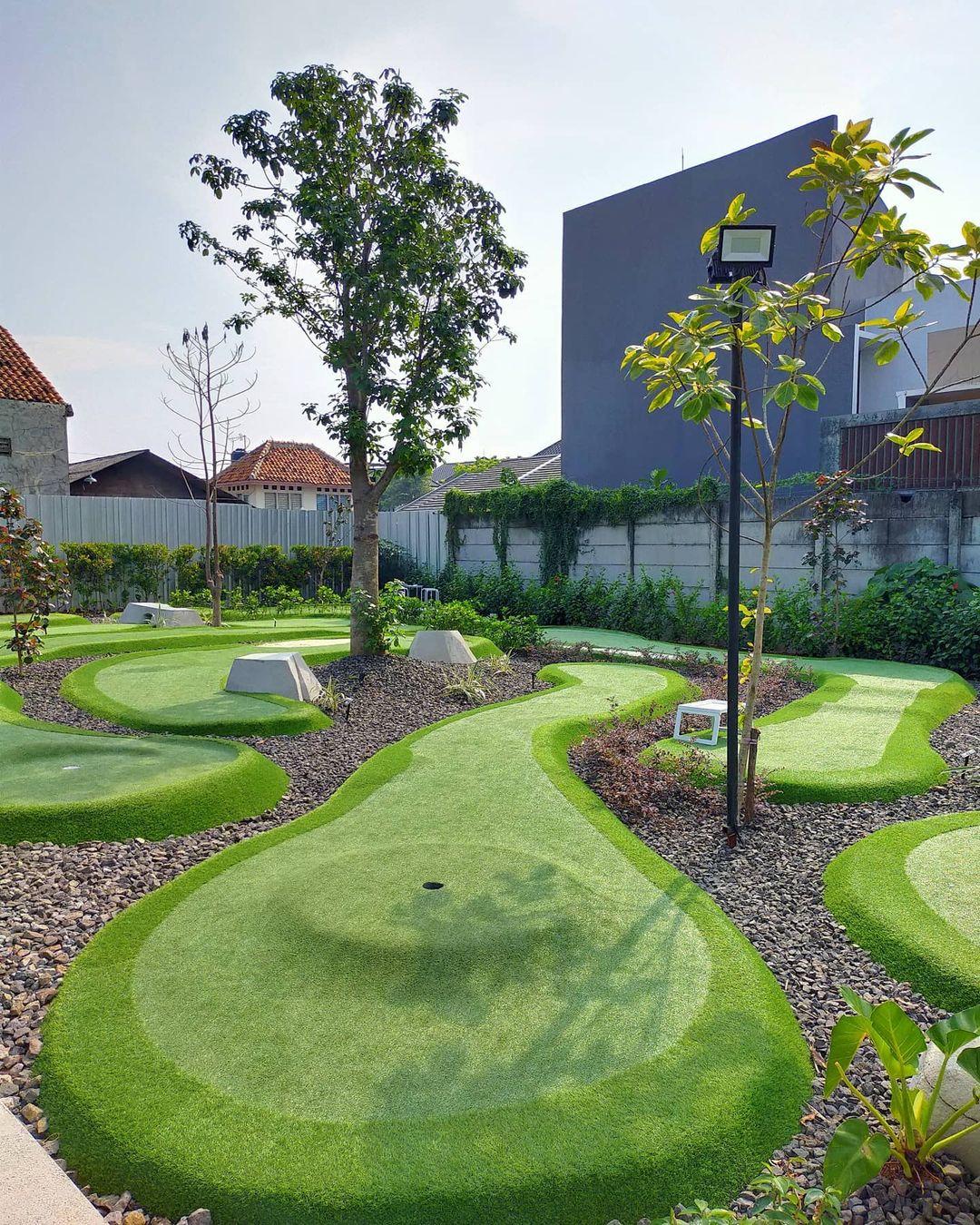Kolepa Mini Golf & Coffee Bintaro