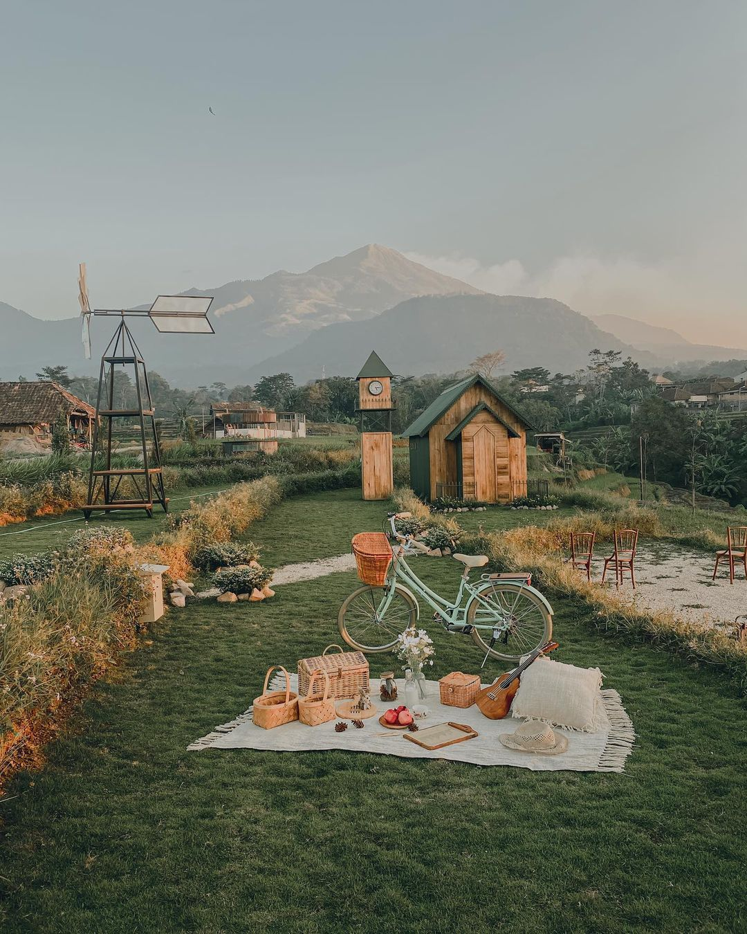 Rustic Market Trawas By Valley View