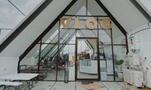 Tampak Depan Vlog Cafe