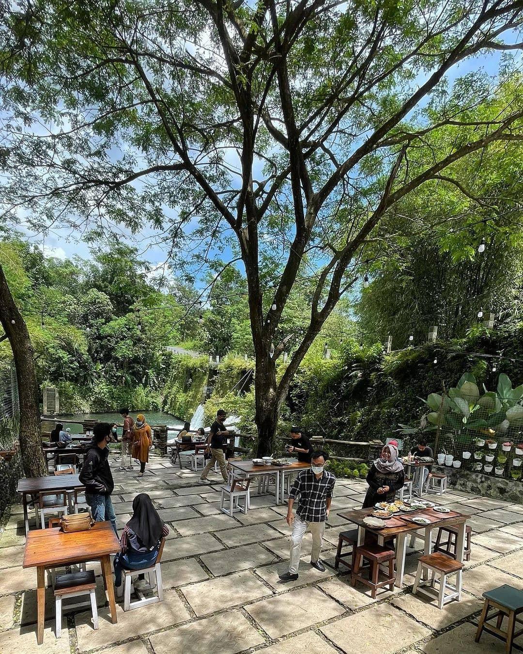 Wisata Kuliner Pinggir Sungai Sleman