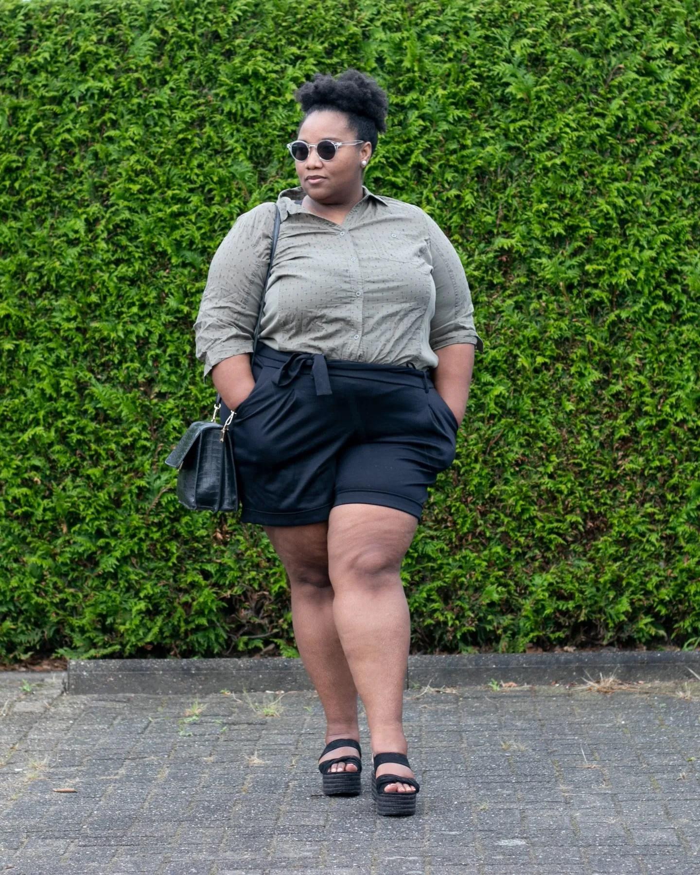 Hoe Draag Je Een Korte Broek Als Plus-size