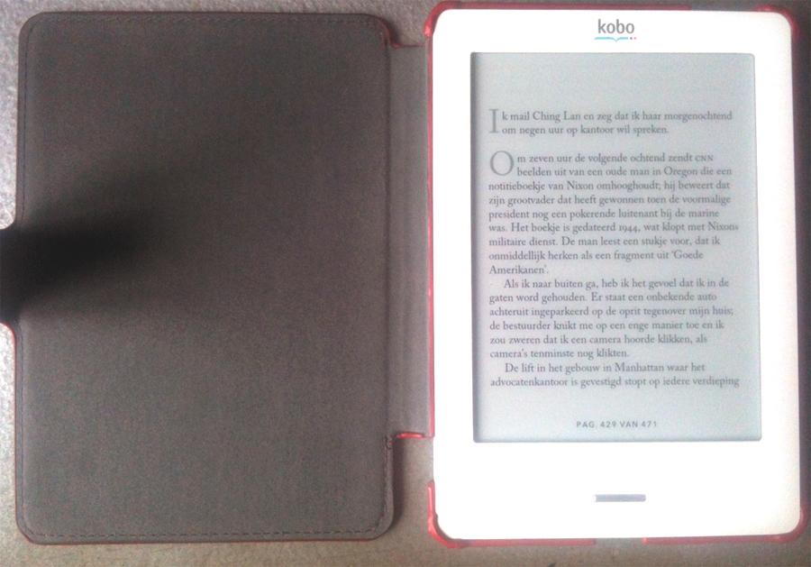 De kobo touch doet het de eerste maand fantastisch. Drie boeken later kun je een was draaien in de tijd die hij nodig heeft om naar de volgende pagina te gaan.