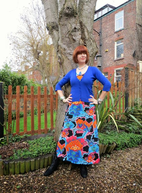The secondhand years how to wear a bold vintage print maxi dress