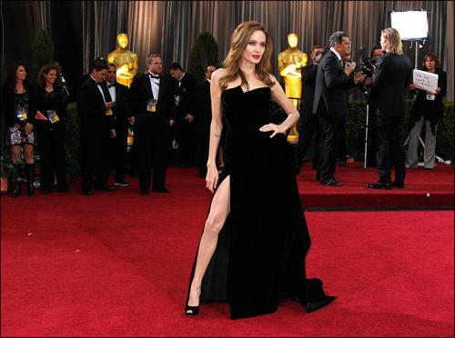 Angelina Jolie's Leg pose