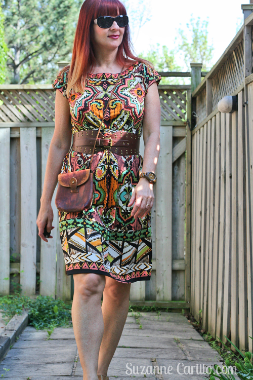 how to wear a patterned dress over 40