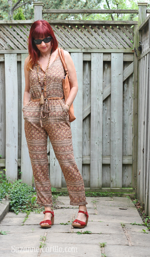 how to wear a patterned jumpsuit over 40