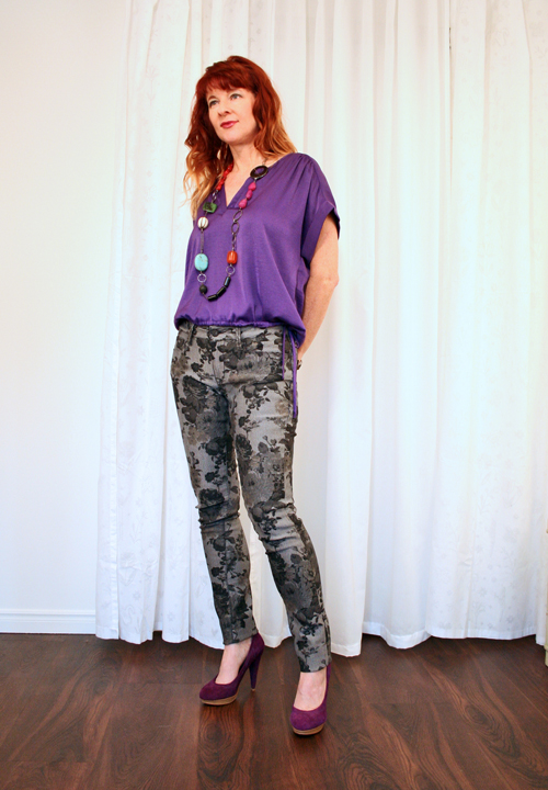 top no-fail tips how to style patterned pants how to wear patterned jeans over 40 suzanne carillo