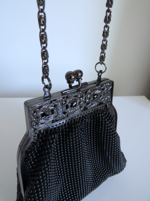 vintage beaded whiting and davis black handbag for sale with metal clasp