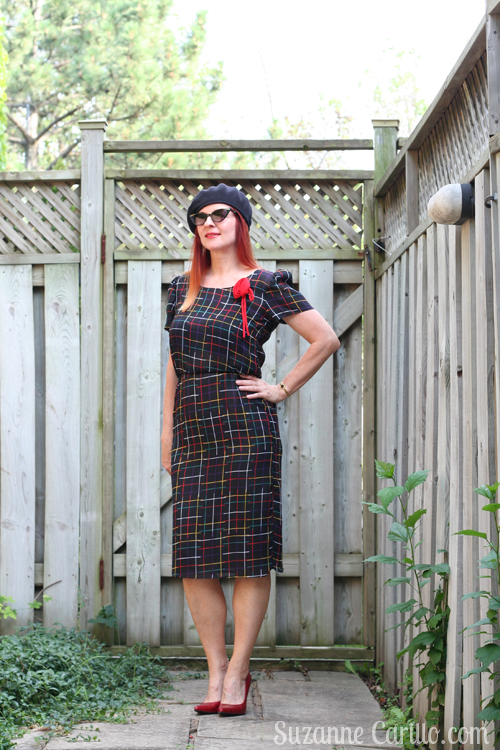 how to style vintage 1980s dress