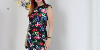 Wear Florals Over 50 – The War Against My Waist