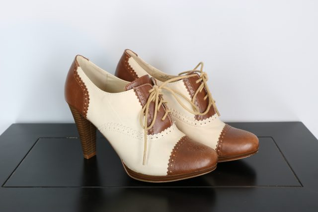 vintage style two tone high heel womens brogues for sale size 8