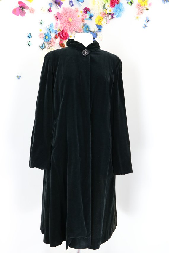 1940s vintage black velvet opera coat for sale