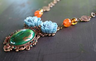 Victorian_green_necklace_side500