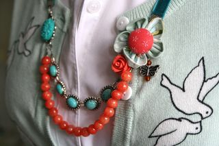 Orange_necklace_side