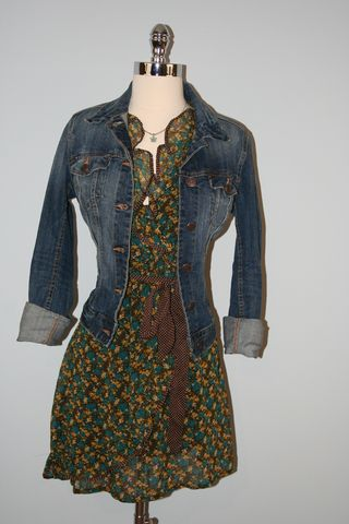 Flower_dot_jeanjacket_close