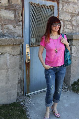 Pink sequins mouse side door