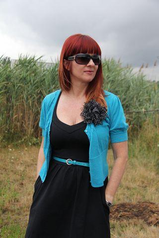 Blue sweater cynthia rowley black dress