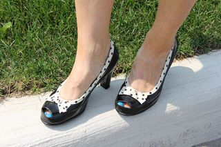 Black polk-a-dot shoes with bow