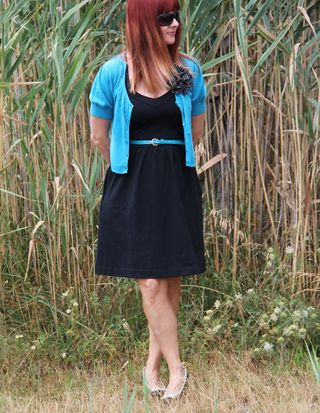 Black cynthia rowley dress blue belt