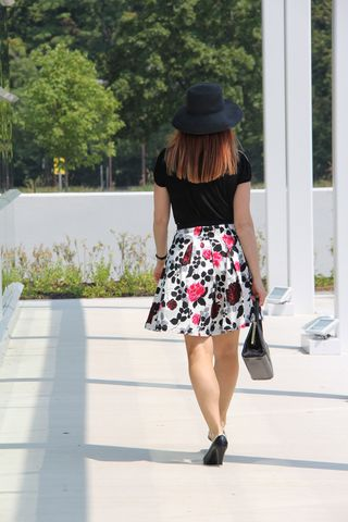 Black pink white floral skirt 1950 style
