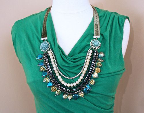 Silver blue green grey rosette necklace1000
