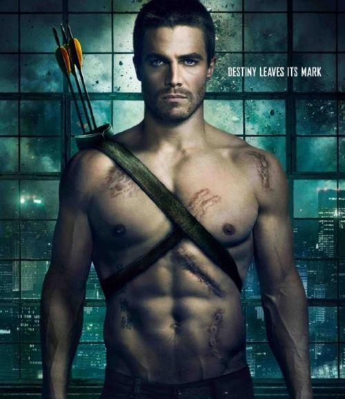 Stephen-amell-arrow-poster1