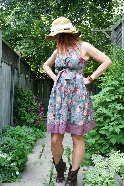 Floral dress straw hat