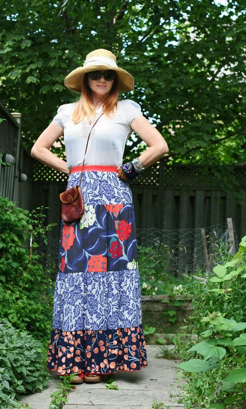 Maxi patterned anthro skirt small