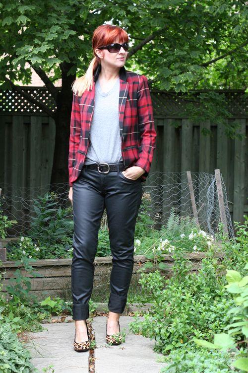 Coated black jeans plaid jacket