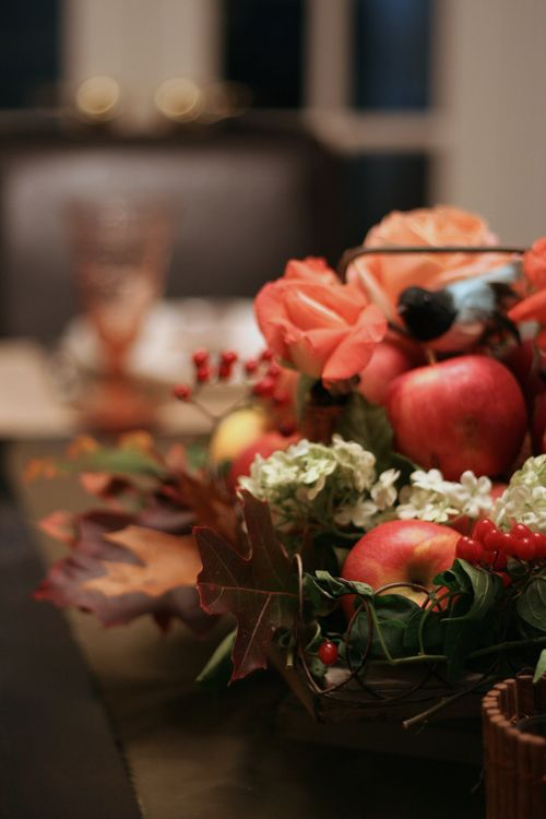 Apple center piece table