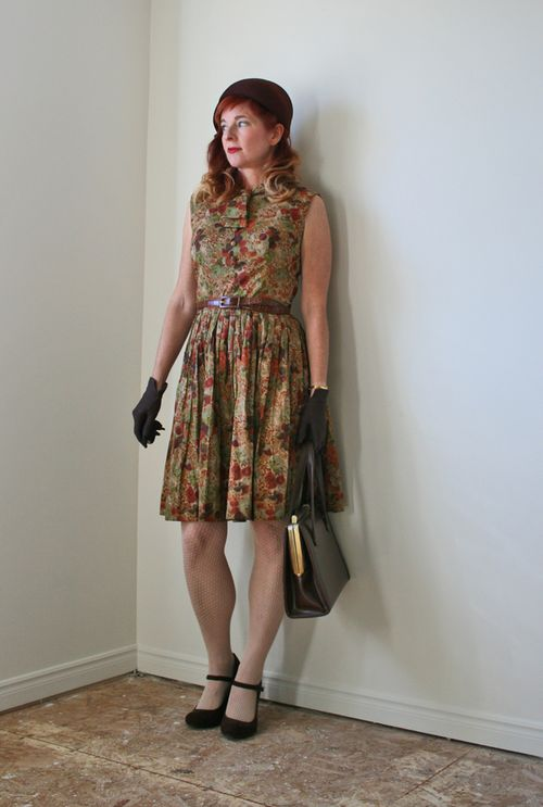 Brown floral printed 1950s dress