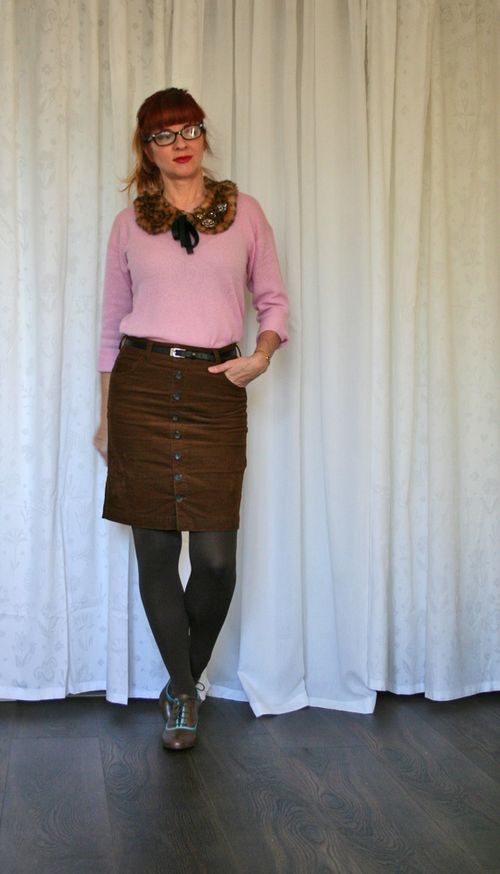 Pink cashmere sweater brown skirt