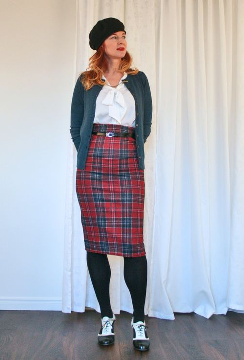 High waisted plaid skirt