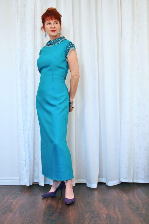 Blue_vintage_gown_earrings_beaded