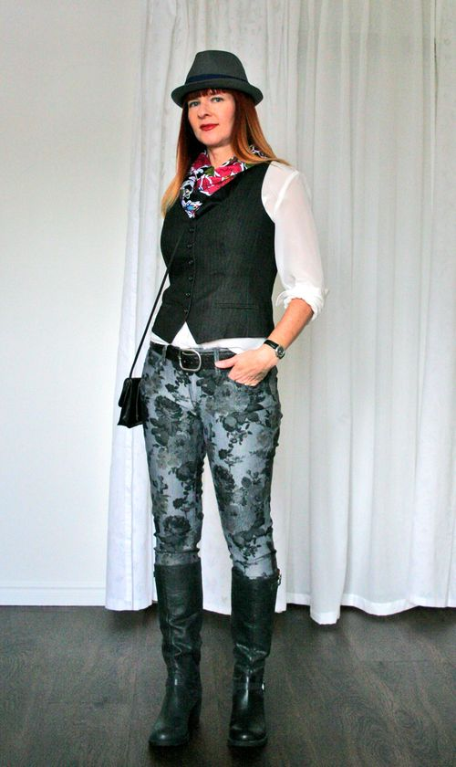 Menswear inspired outfit suzanne carillo how to wear floral jeans