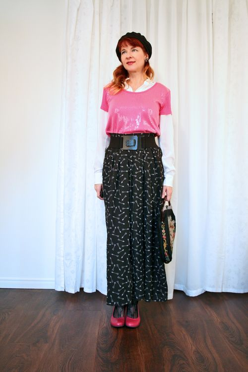 How to wear sequins during the day Pink sequin top wide patterned pants suzanne carillo