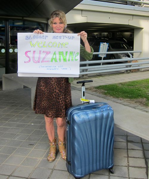 Anja curly traveller meeting me at airport suzanne carillo style files