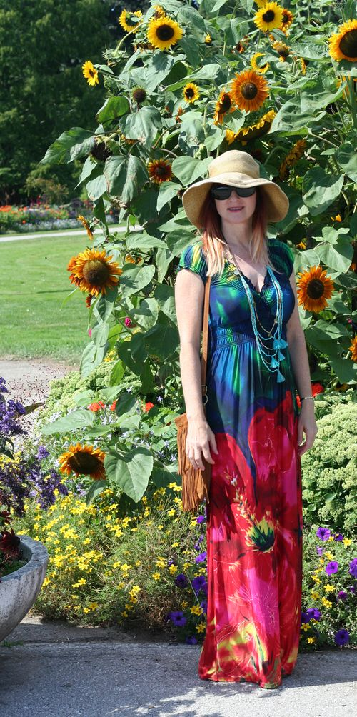 How to wear a maxi dress when you are petite suzanne carillo style files