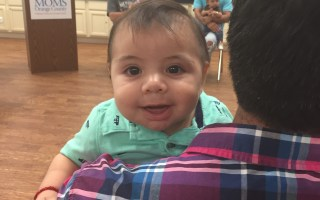 MOMS Orange County Encourages Dads to Help with Baby  #AwareMomsOC