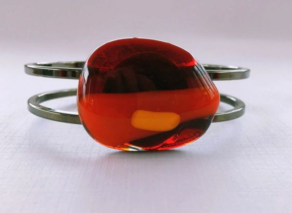 Warm coloured glass bracelet with orange and reds