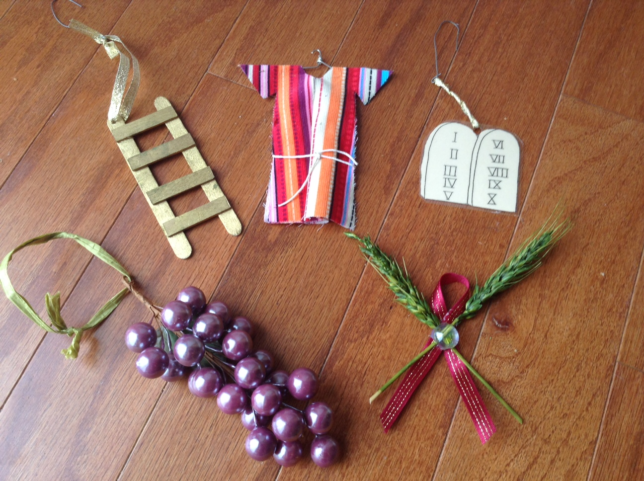 Advent Jesse Tree Ornament Swap & Ornaments