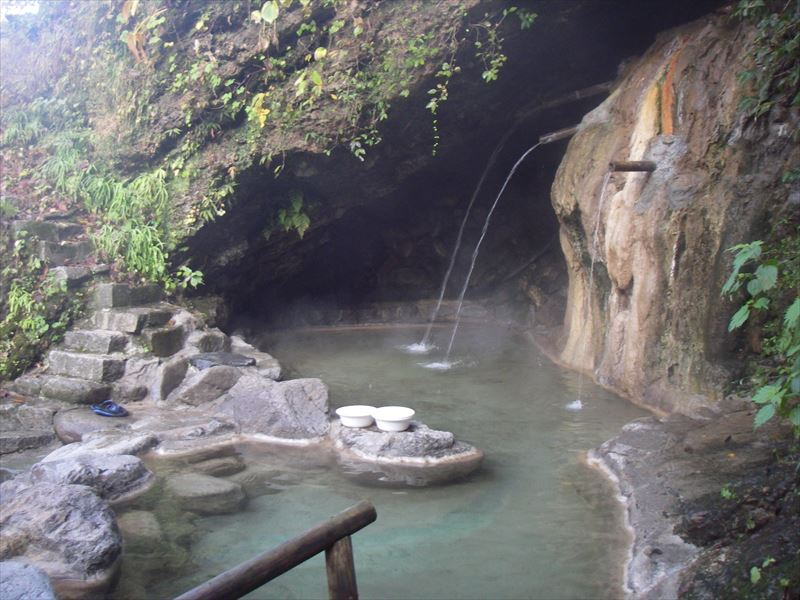小川温泉の洞窟混浴露天風呂