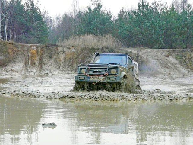 Suzuki Samurai – auta uchwycone na Camp4x4