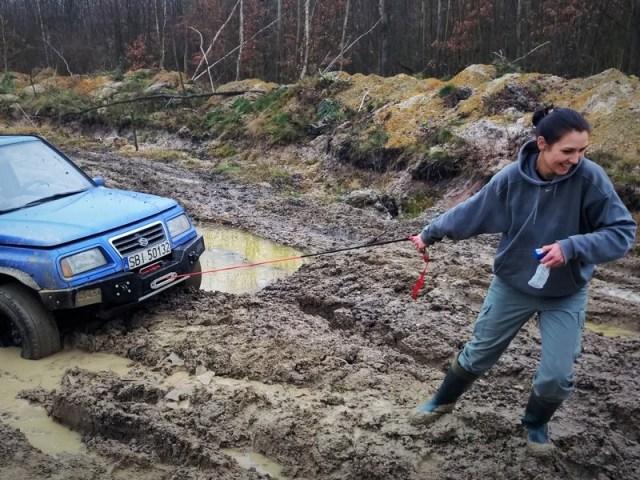Suzuki Vitara 2.0 – Niebieska Suzi Izy