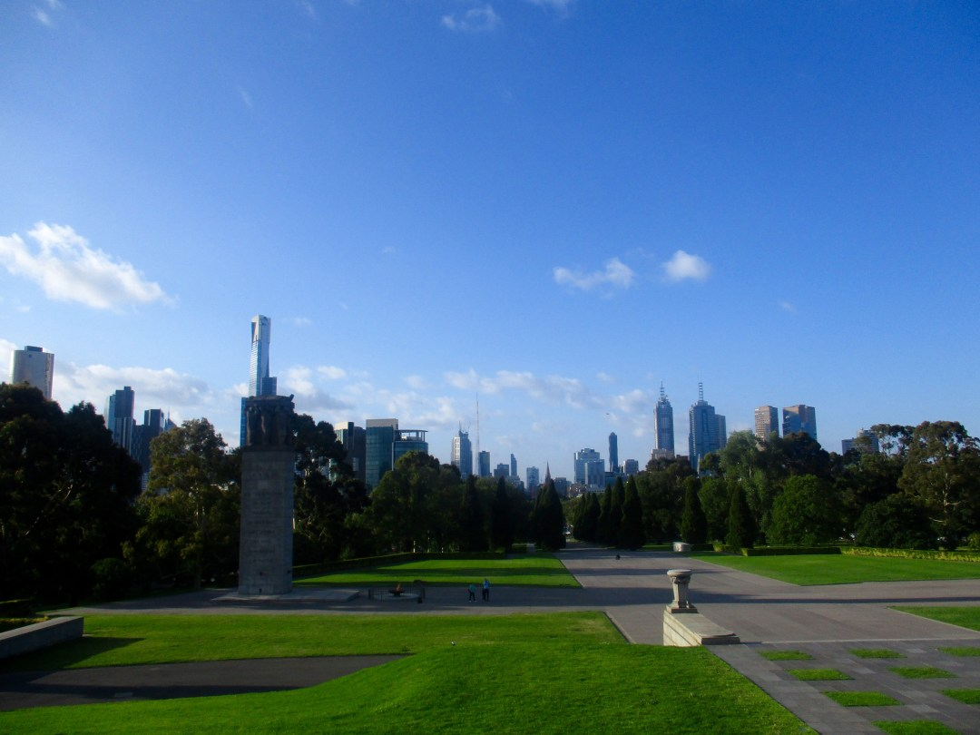 Skyline view of the Melbourne CBD, overlooking Kings Domain from the Shrine of Remembrance