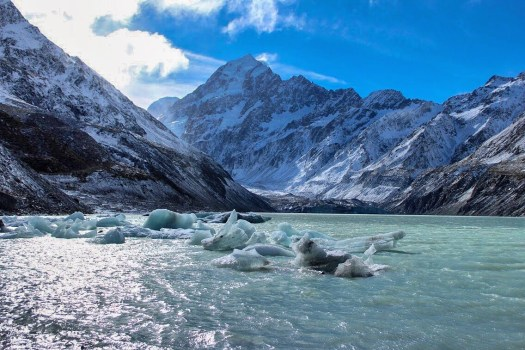Hooker Lake at Hooker Valley Track: Short Walks in Aoraki/Mount Cook National Park - Get the best views of Aoraki/Mount Cook