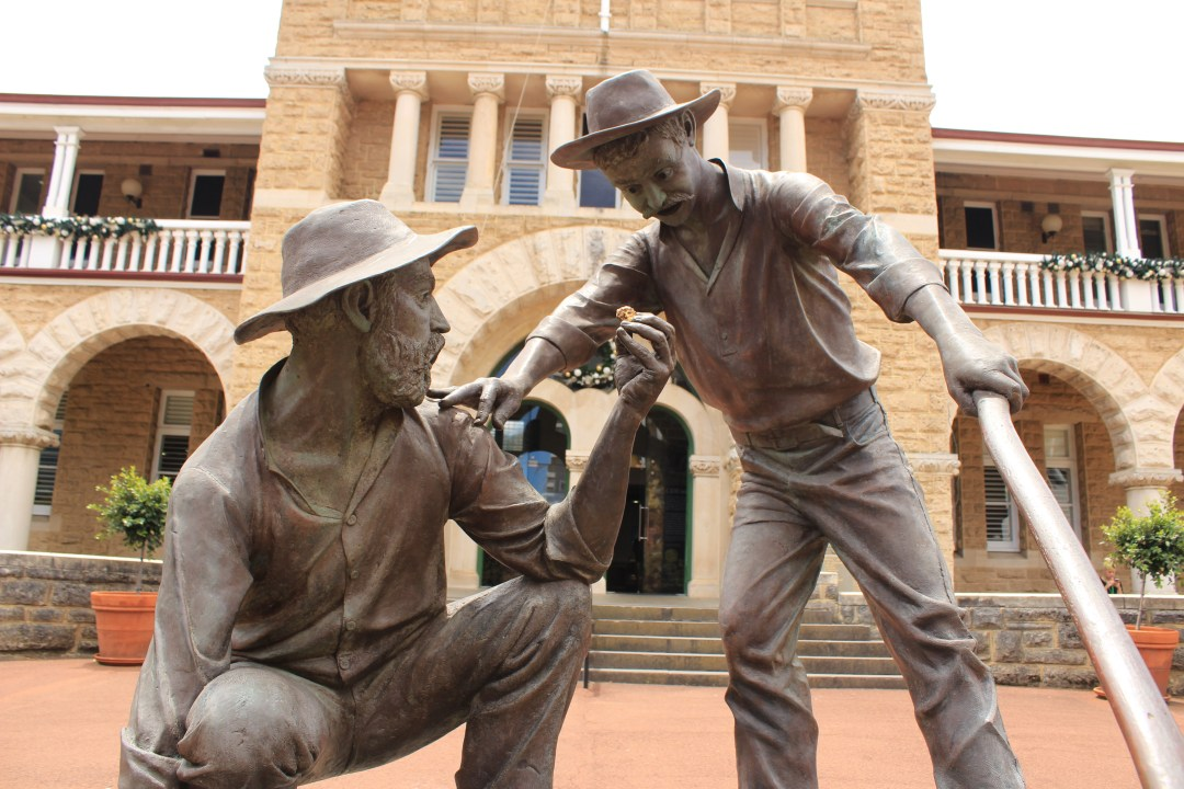 Best things to do in Perth - one day itinerary. Visit Perth Mint