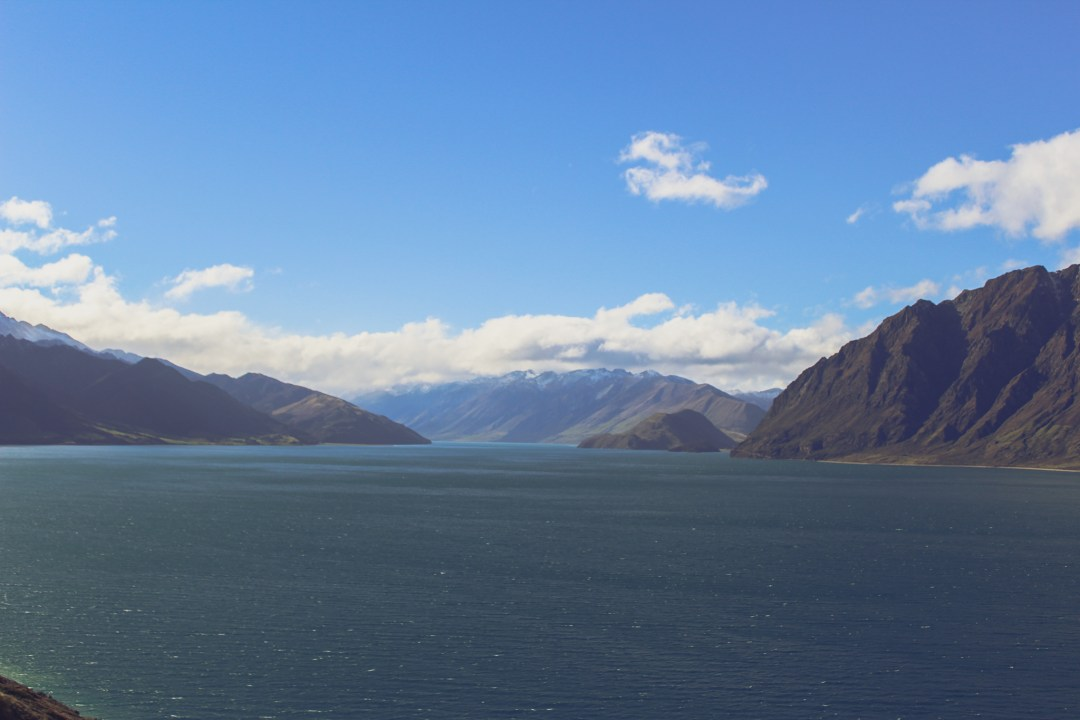 Beautiful Lakes in New Zealand - Lake Hawea in Central Otago