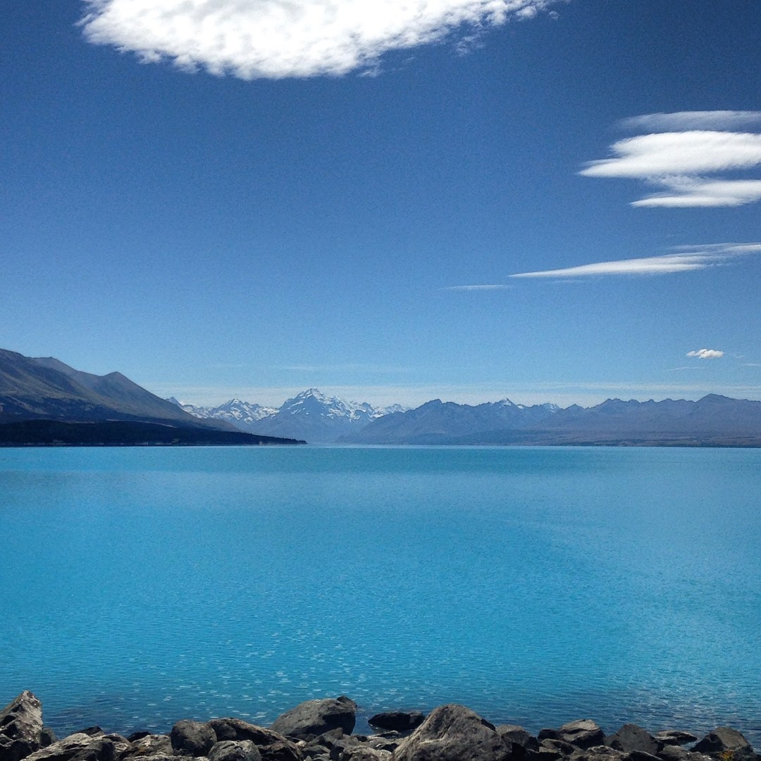 Beautiful Lakes in New Zealand - Visiting Lake Pukaki is a New Zealand must-do