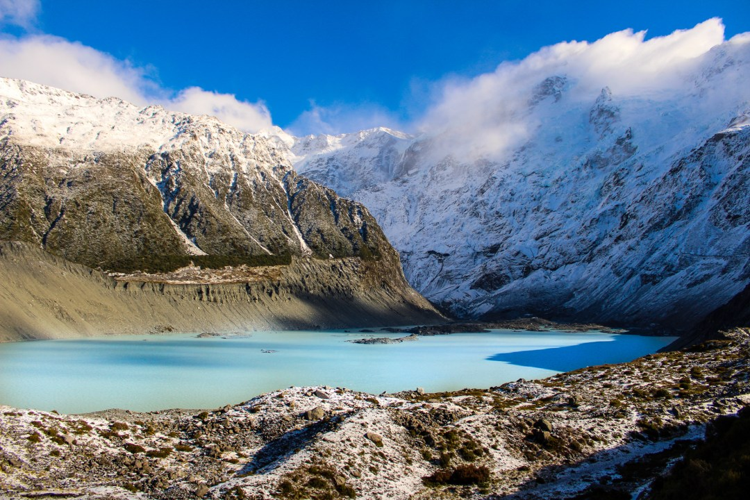 Beautiful Lakes in New Zealand - Aoraki/Mount Cook National Park is home to gorgeous glacial lakes